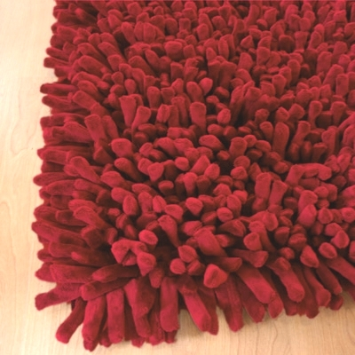 Dreamweavers Cherry Red Chamois Spiky Rug