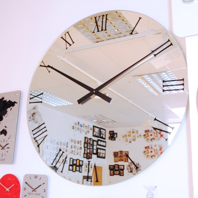 BLACK Mirror Roman Wall Clock